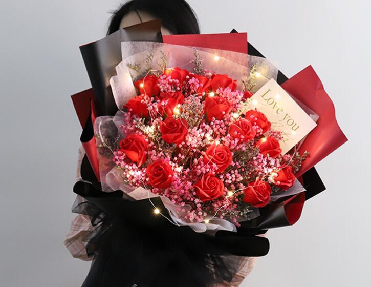 情人节到了该送什么颜色的花 第2张